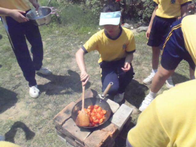 原野生火磚爐蕃茄炒蛋